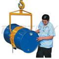 0.365吨油桶吊(可通过锁紧销使油桶保持水平或垂直位置)